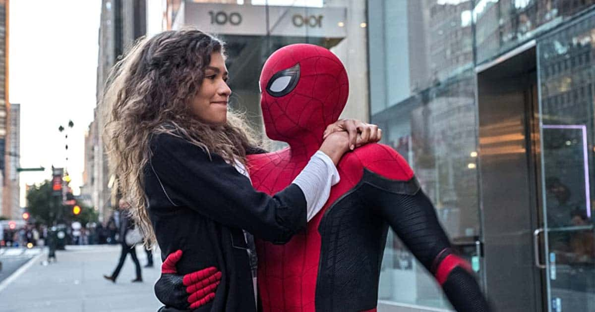 """Spider-Man: No Way Home Star Zendaya talks about """"closeness"""" with photos of viral kisses with Tom Holland and the group"""