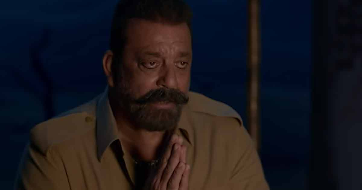 Bhuj: The Pride Of India Movie Review: Ajay Devgn's only elongated war cry that's less of war and more of shout!