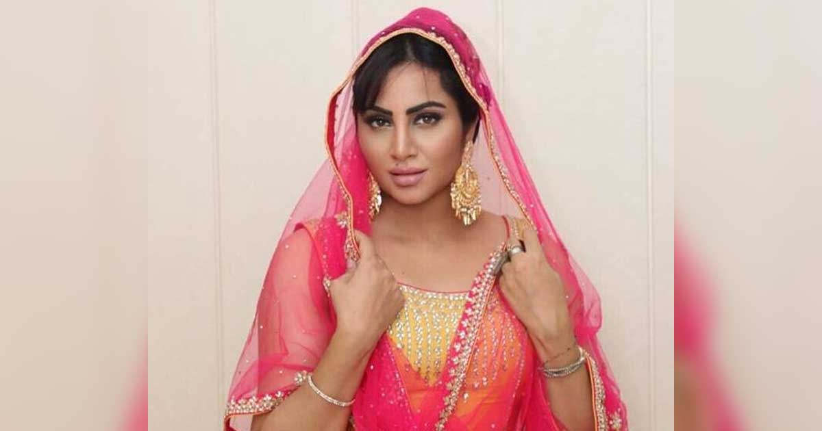 """Born In Afghanistan, Arshi Khan Is Hurt & Worried Over Taliban Taking Over The Country, Says """"It's A Bad Time & We Are Helpless"""""""
