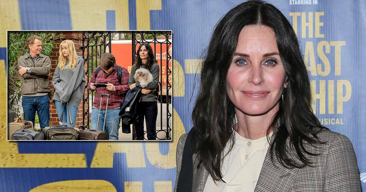 Courteney Cox Kills Time Between Setups Of Her New Show By Driving Around Tourists On Warner Bros' Set