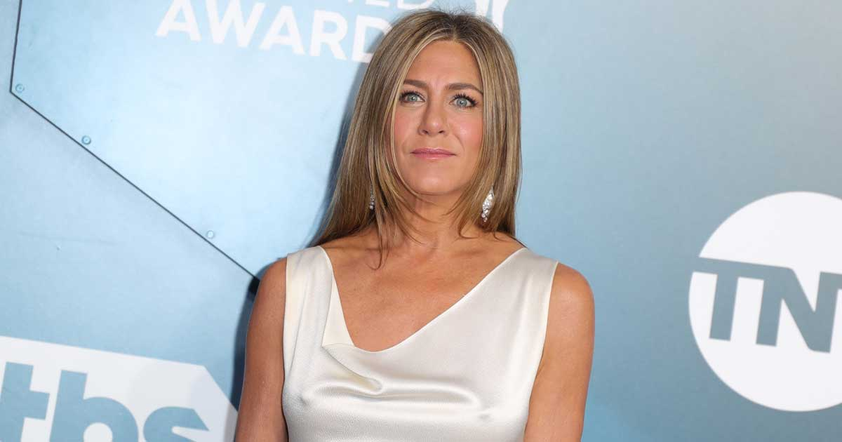 Jennifer Aniston's Decision To Cut Off Anti-Vaxxer Friends Receives Criticism