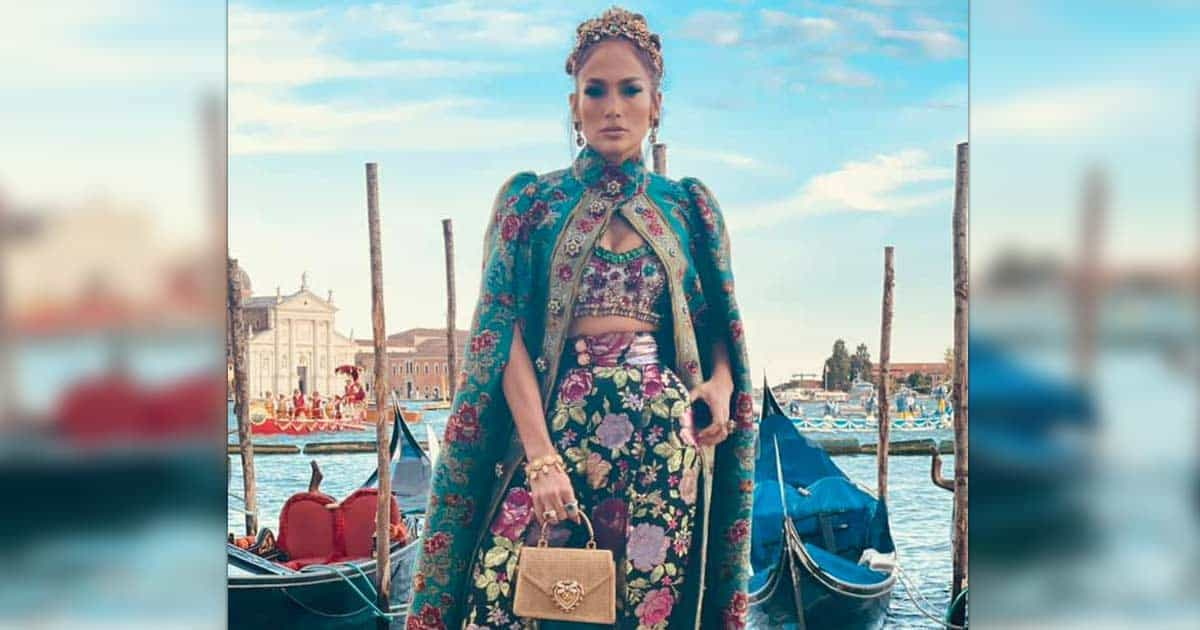 Jennifer Lopez Oozes Royalty As She Arrives At The Dolce & Gabbana Fashion Show In Venice