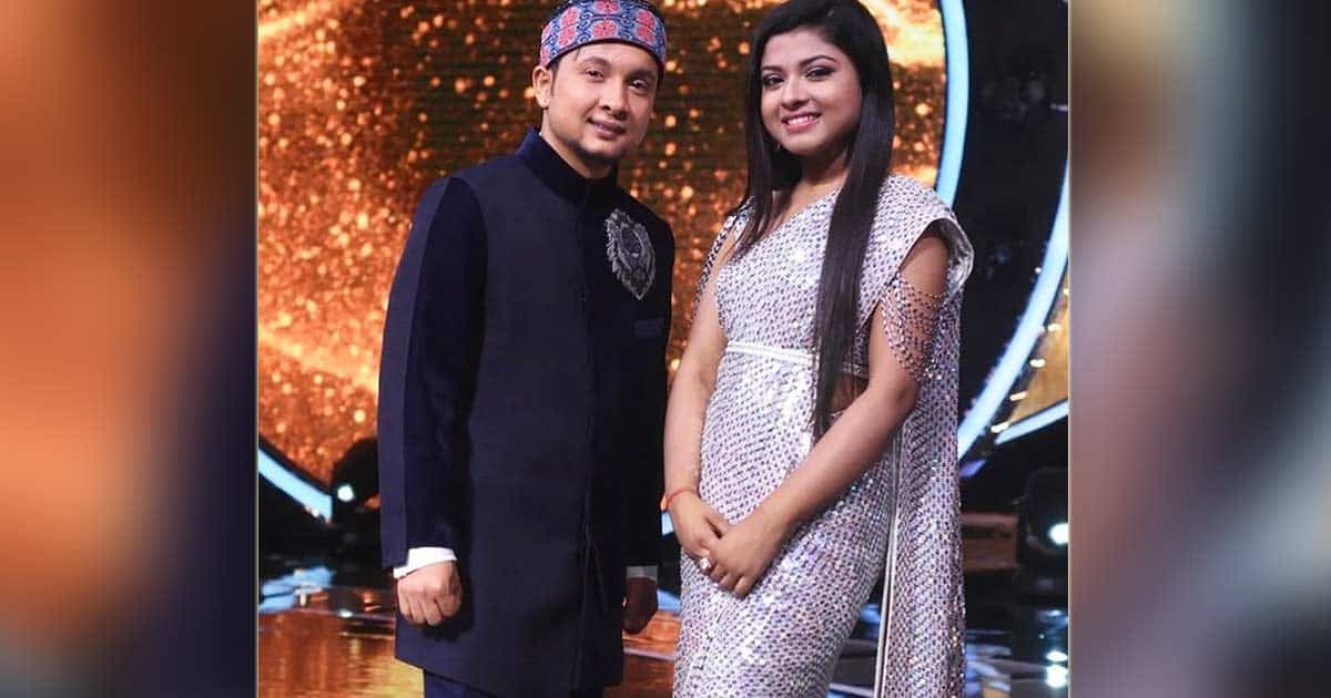 """""""Shaadi Karlo Please,"""" Fan Tells Arunita Kanjilal & Pawandeep Rajan"""
