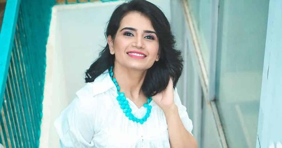 Taarak Mehta Ka Ooltah Chashmah's Rita Reporter Aka Priya Ahuja Rajda Raises The Temperature With Her Bold & Se*y Pics
