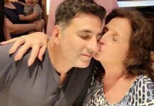 Akshay Kumar pens emotional note for mother on his 54th birthday