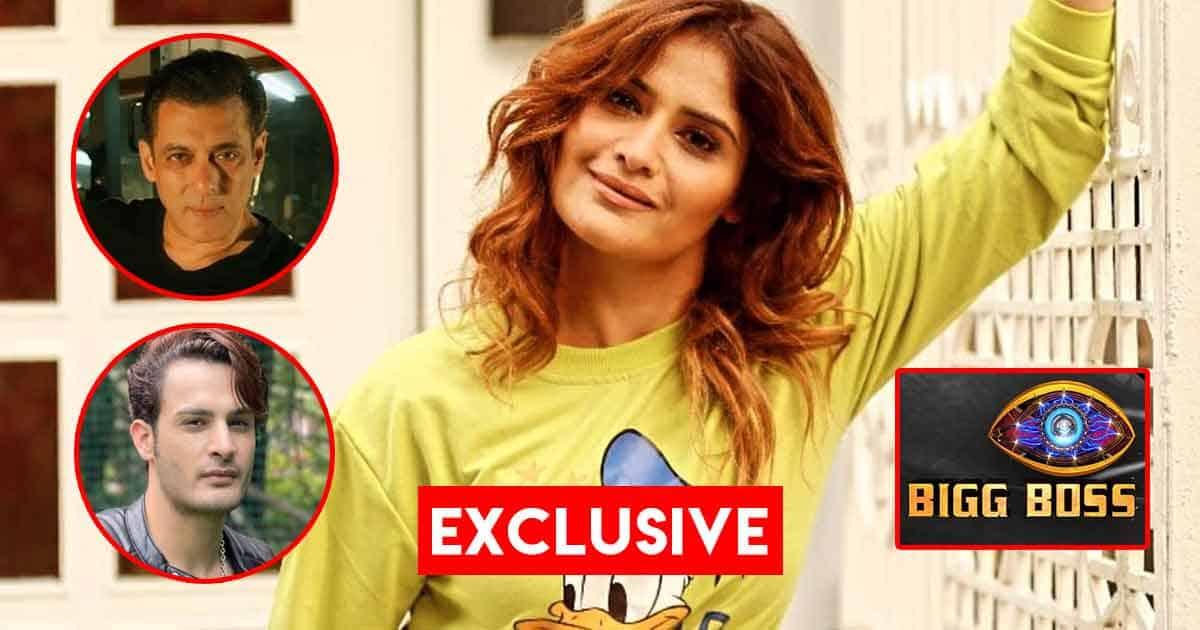 "Bigg Boss 15 Exclusive: Arti Singh Says She Wishes Umar Riaz Does Well, But Adds ""Kissiko Kam Mat Samjho, Kyuki …"""
