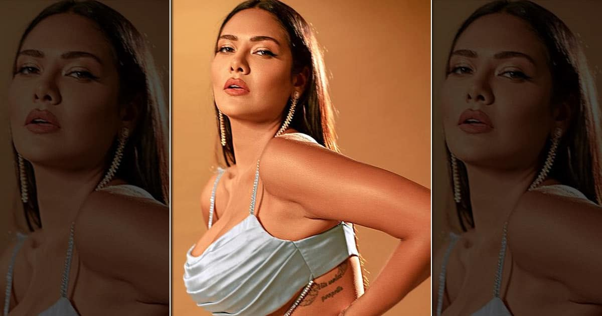 Esha Gupta Shares Humiliating Remarks She Faced Initially Due To Her Dark Complexion - Deets Inside