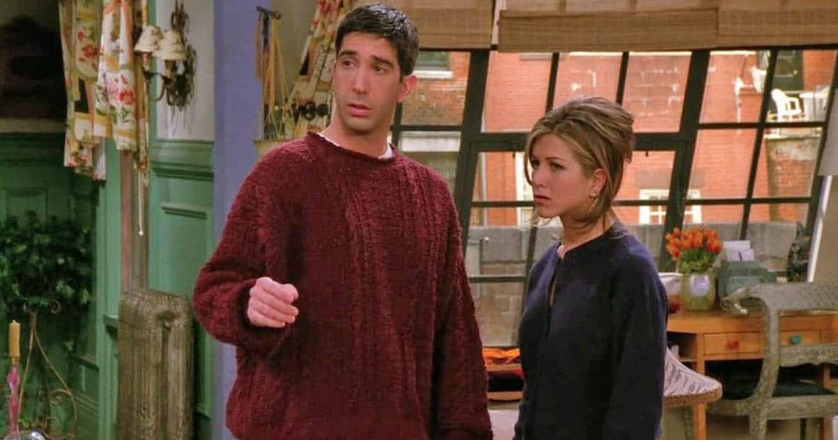 Friends' Jennifer Aniston Debunks Dating Rumours With David Schwimmer, Read On