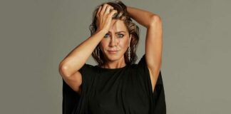 """Jennifer Aniston Admits That She Hopes For Dating Someone """"Not Necessarily In The Industry"""""""