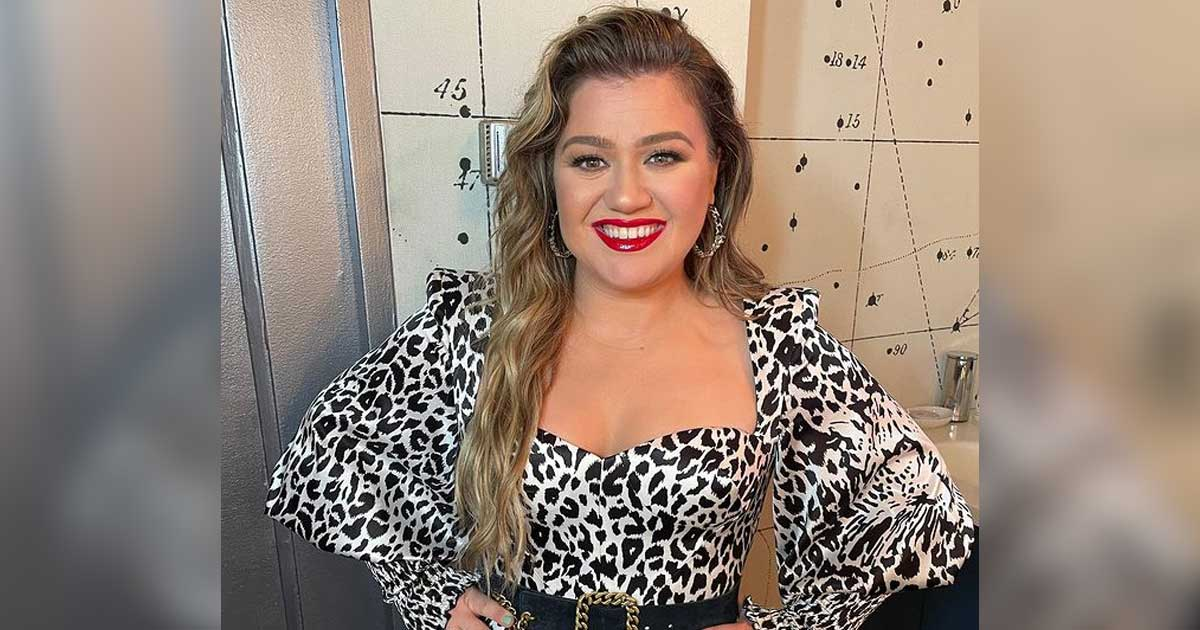 Kelly Clarkson to unveil holiday single 'Christmas Isn't Canceled (Just You)' on Sep 23
