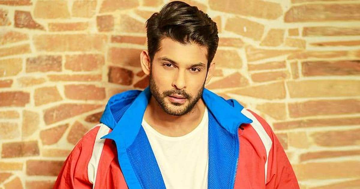 Netizens In Shock & Disbelief Over Sidharth Shukla's Untimely Death, Pour In Condolences For His Family