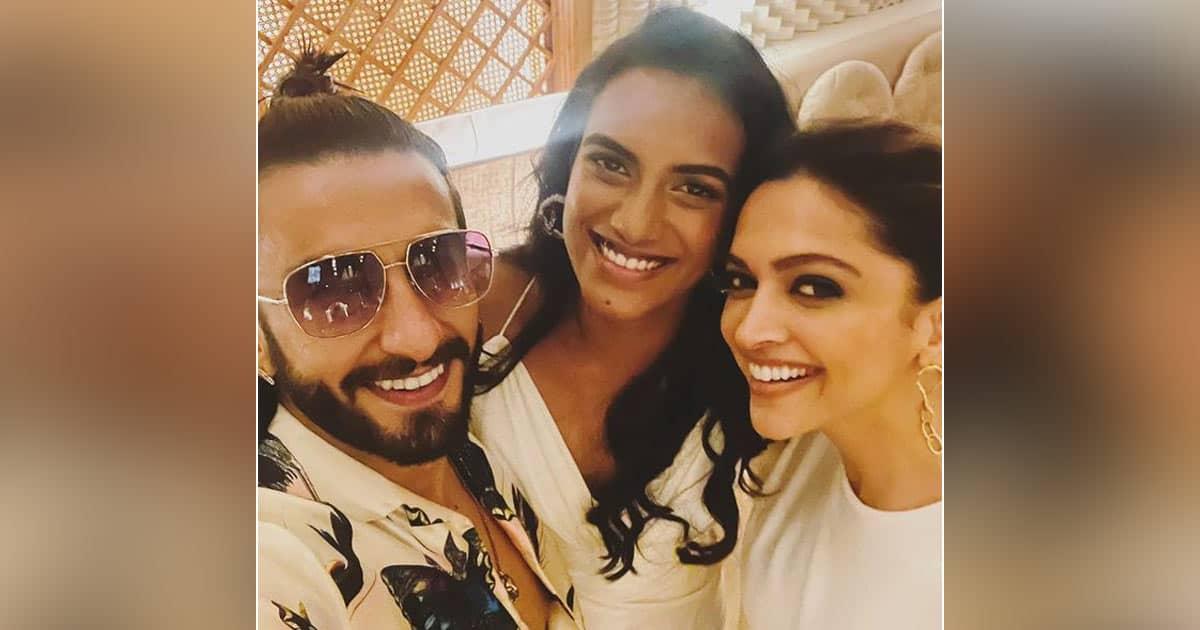 Ranveer Singh & Deepika Padukone Have A 'Smashing Time' With Olympic Medalist PV Sindhu
