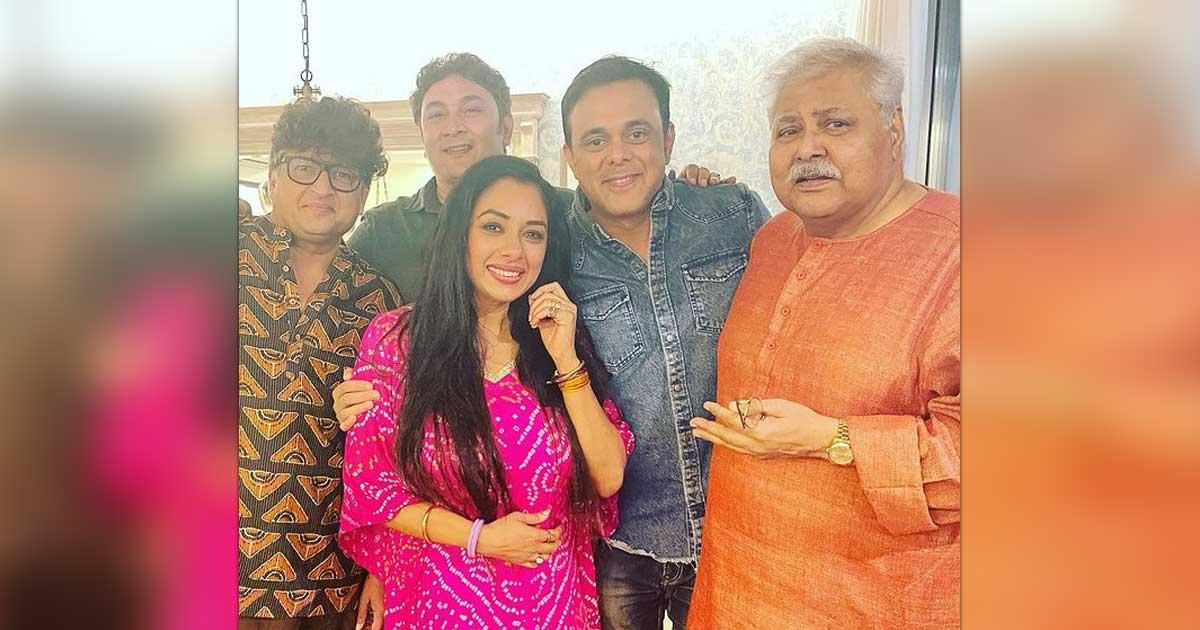 Rupali Ganguly Shares Sarabhai vs Sarabhai Reunion Pics