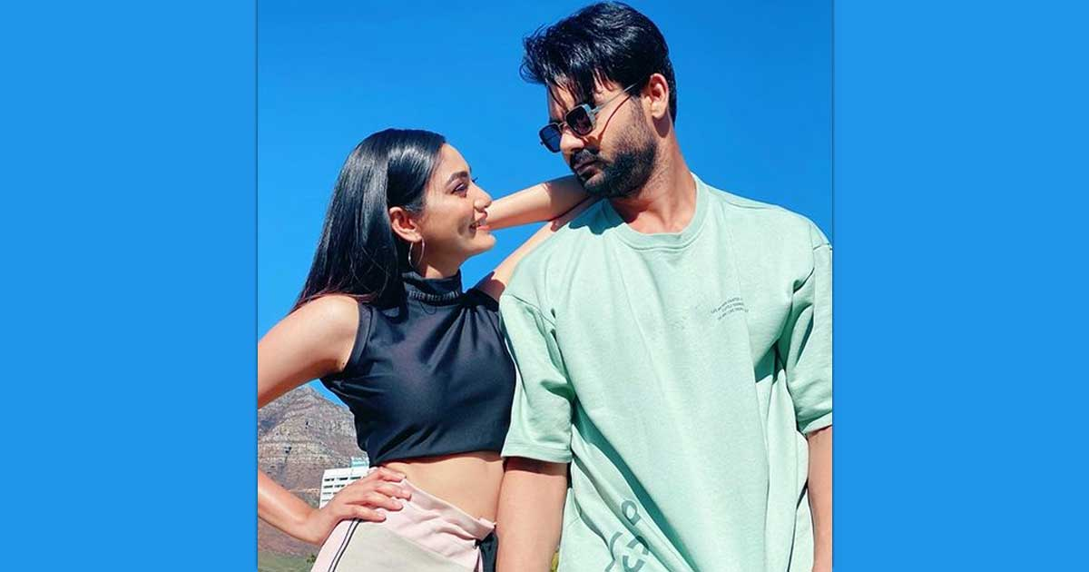 Sana Makbul Opens Up About Her Link Up Rumours With Vishal Aditya Singh