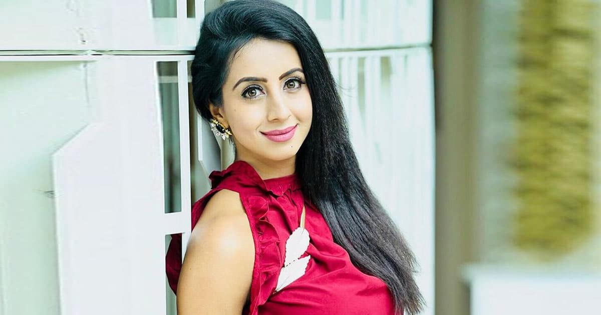 Sanjjanna Galrani Gets Into Legal Trouble For Going Against Karnataka's Covid-19 Guidelines