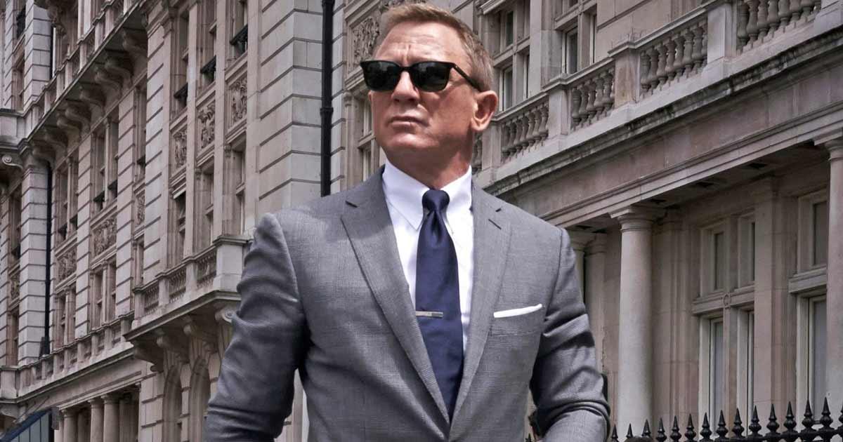 Daniel Craig Has Just Learned About His 'Ladies & Gentlemen, The Weekend' Meme