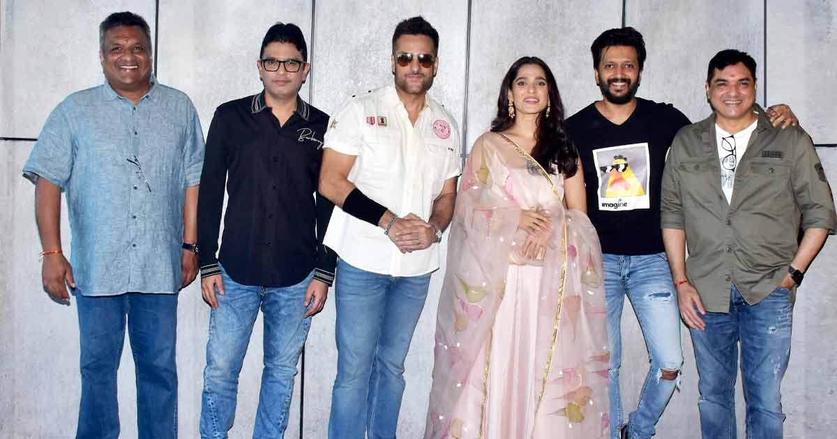 Fardeen Khan To Make A Comeback Alongside Riteish Deshmukh In VISFOT