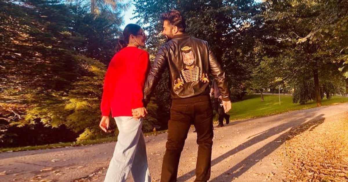 Rakul Preet Singh & Jackky Bhagnani Make Their Relationship Official!