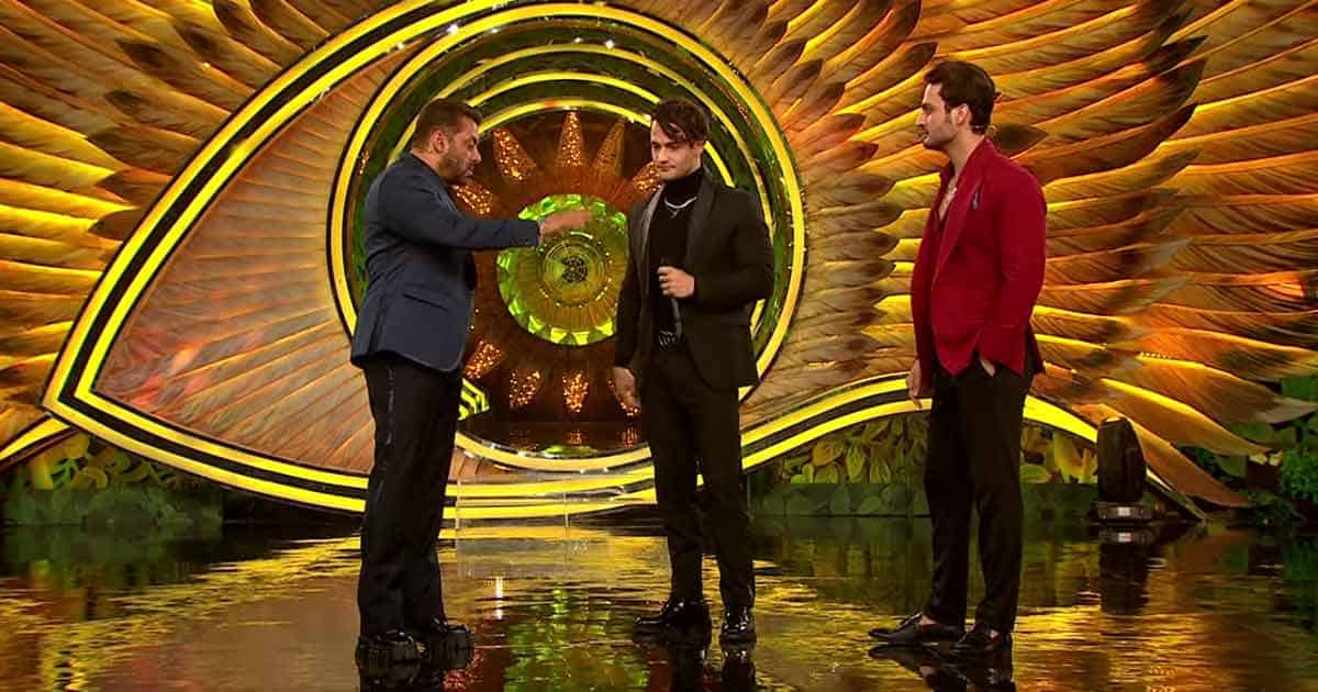 Salman Khan Pulls A Prank On Asim Riaz When He Arrives To Say Goodbye To Brother Umar Riaz Before Entering The Bigg Boss House